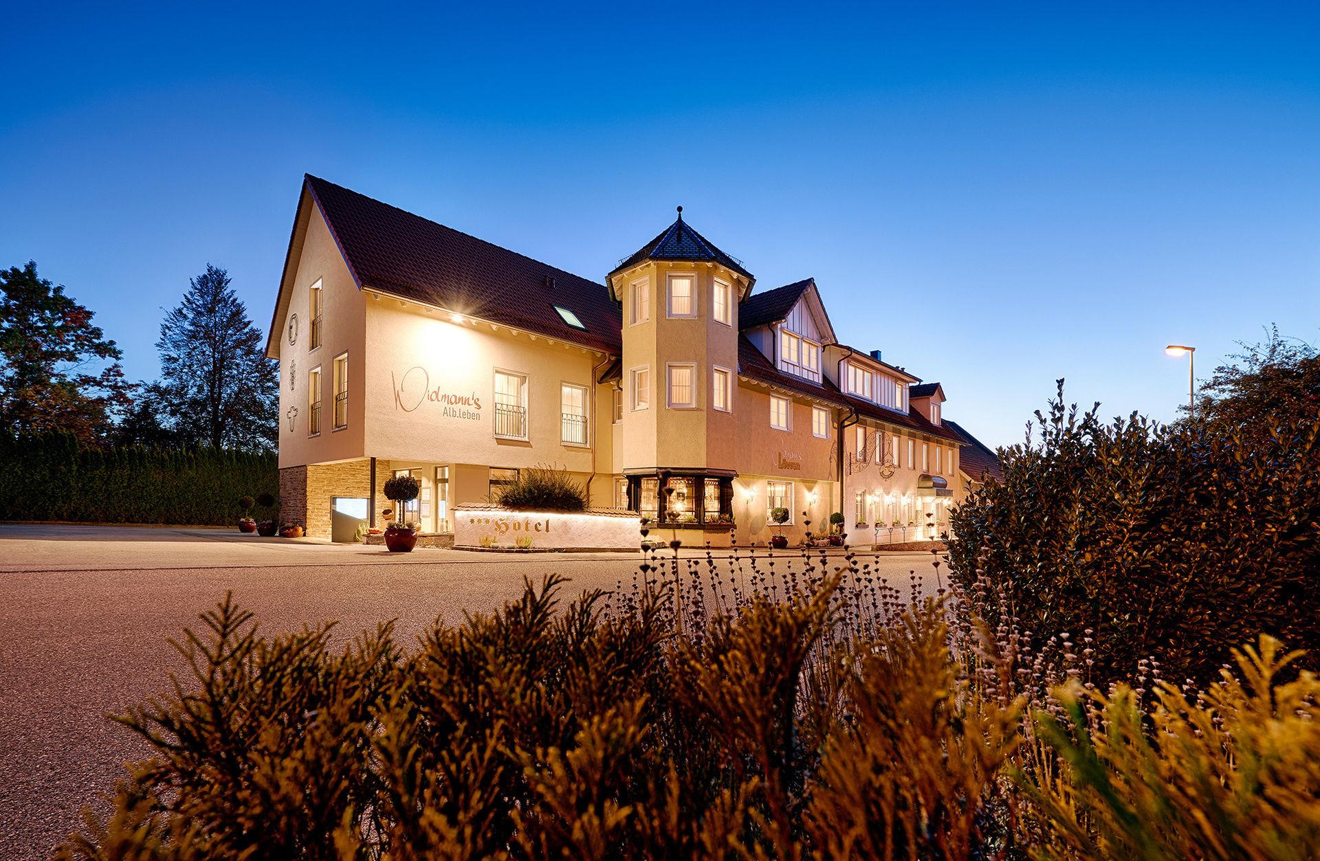 Hotel Restaurant Widmann S Lowen In Zang Konigsbronn